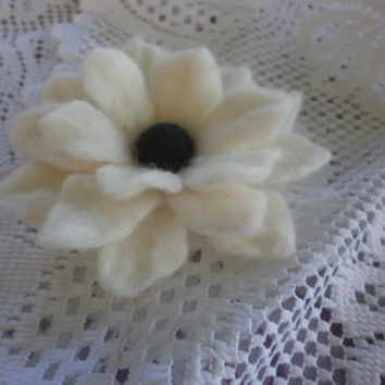 Felted flower,Felt flower brooch,felt flower white black,flowers pins, handmade jewelry,hair clip brooch, unique,felted brooch,gift  for ger