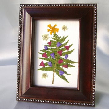 Presed flower Christmas tree picture - Miniature Christmas tree - Holiday table top decor - Real botanicals - Ferns flowers - Festive