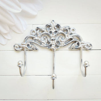 Gift Idea / Shabby Chic Wall Hook / Wall Hook / Traditional Decor / Triple Hook / Key Hanger / Coat Hook / Organize / Silver Home Decor