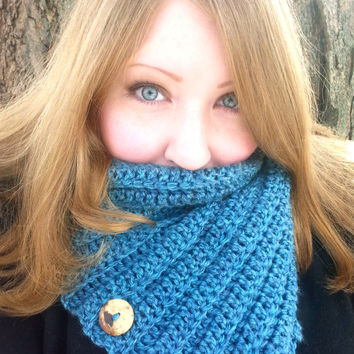 3 Button Cowl, Crochet Button Scarf