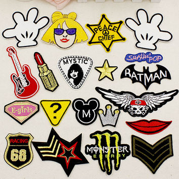 Patches badge Iron on for clothing Jeans Label decoration repair decals Exquisite embroidery sewing On Motif Patches