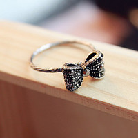 Black Bow Ring