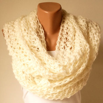 Ivory, cream....Infinity Scarf, Loop Scarf, Circle Scarf, Cowl Scarf..Wool mohair handmade knitting
