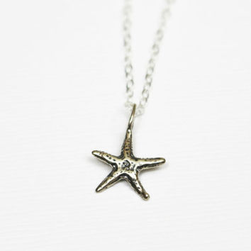 Delicate Starfish Necklace / Beach Layered Necklace Set / Silver or Gold Layering Necklaces / Delicate Gold Necklaces