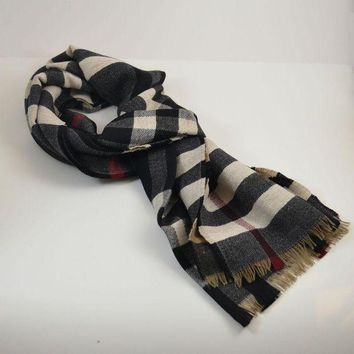 PEAPON LAST One! Burberry $450 Signature Reversible 100% Wool Check Scarf