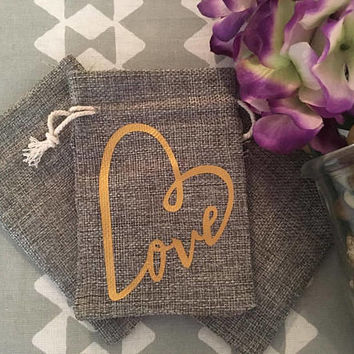 Wedding Love Gold Heart Burlap Favor Gift Bags, Wedding Favor Bags, Set of 25 Gift Bags, Drawstring Favor Bags, Party Favor Bags