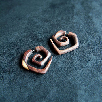 Spiral Wood Earrings Square Style Fake Gauges Tribal Earring with Natural Wooden Color Diamond Shaped Design
