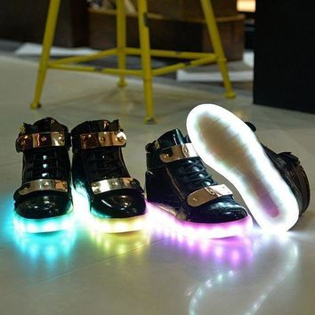 ONETOW Led Shoes 2017 Light Up Shoes Colorful Casual Sneakers for Men Women Running Shoes New