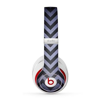 The Purple Textured Chevron Pattern Skin for the Beats by Dre Studio (2013+ Version) Headphones