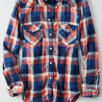 AEO Women's Acid Wash Boyfriend Shirt (Red)