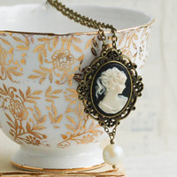 Victorian CAMEO Necklace Vintage Style Black Cameo Romantic Pearl