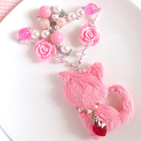 Japan Kawaii Hime Gyaru Style Pink Fuwa Fuwa Neko Cat with Swarovski Crystal heart pendant Lolita pink fairy kei roses white pearls necklace