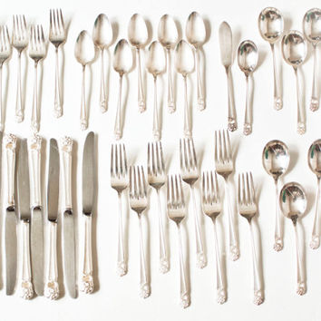 Vintage 1940s WM Rogers Brothers Eternally Yours Flatware Silverware Set, Silver Plate Flatware 39 Pieces