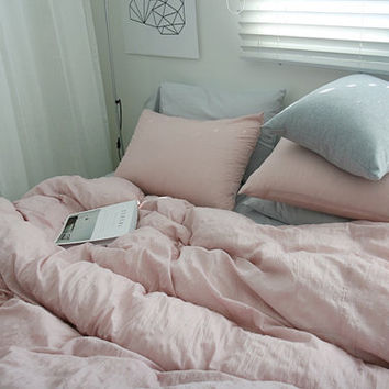 Indie Pink / Off Pink Colored Naturally Wrinkled Soft Twin / Queen Size Bedding Set
