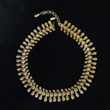 Vintage Signed Monet Textured Goldtone Necklace 14inches