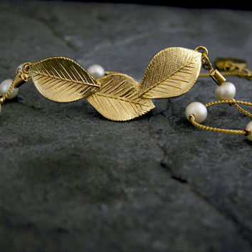 Gold Leafes and Pearls Necklace,Grecian Jewelry, Gold Leaf Necklace, Gold Leaves, Bridal Jewelry, Grecian Jewelry, Wedding Jewelry