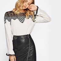 Contrast Lace Color Block York Pom Pom Bell Cuff Work Wear Blouse Ladies Round Neck Long Sleeve Elegant Blouse
