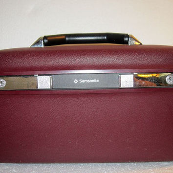 Vintage Luggage, Samsonite Make up Case, train case, burgundy, has keys, mirror, travel shersvintagefinds,  FREE SHIPPING