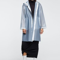 TRANSPARENT RAINCOAT DETAILS