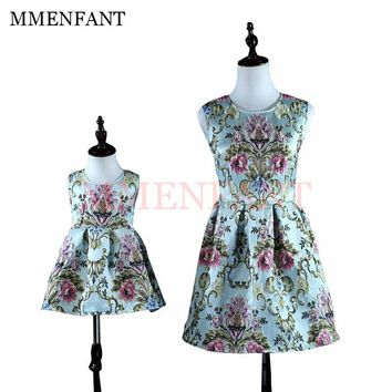mother daughter dresses Vintage baby girls 1 year birthday dress embroidery dresses 2017 Autumn And Winter mommy and me clothes
