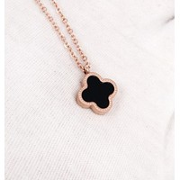 Four-leaf clover:Fashion Clover Titanium Steel Necklace Female 18k Rose Gold Necklace Japan and South Korea Jewelry Necklace