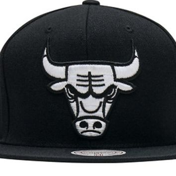 Chicago Bulls Black Mitchell and Ness NBA XL White Logo Snapback Cap