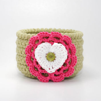 Valentines Day decor, crochet bowl, Valentines Day gift, storage bin, home organizer, jewelry dish, teacher gift, gift basket, green bowl