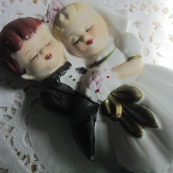 wedding cake topper vintage couple collectable porcelain wedding topper cute couple bride groom vintage topper