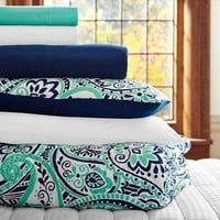 Regan Paisley Deluxe Bedding Set