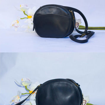 Vintage Coach Black Leather Chester Round Canteen Mini 9982 Crossbody Shoulder Bag/Purse