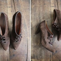 victorian ankle boots / suede booties / size 6