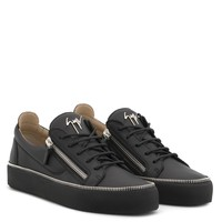 Giuseppe Zanotti Gz Frankie Black Leather Low-top Sneaker With Logo