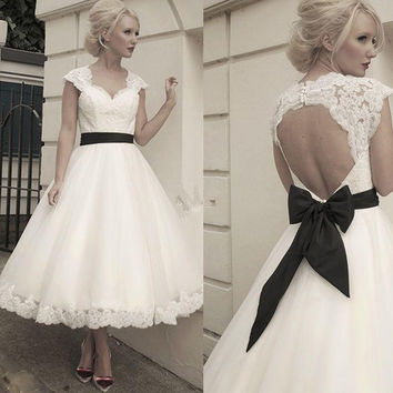 Short Wedding Dress Robe De Mariage 2016 Elegant Fast Shipping A Line Sweetheart Keyhole Backless Cap Sleeve Bow Bridal Gown