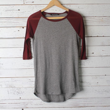 Hannah Baseball Tee [Burgundy & Gray]