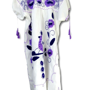 White mexican dress,  Mexican dresses embroidered, Peasant dress, Traditional mexican dress, Vintage mexican embroidered dress, Purple dress