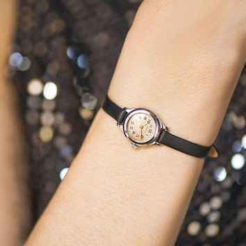 Watch for women vintage tiny, minimalist watch silver shade gift, very small girl watch classic watch Seagull rare new premium leather strap