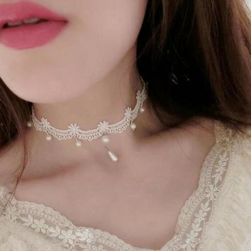 Choker - White Lace Choker for women
