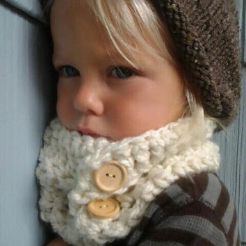 Crochet Cowl. Kids Cowl. Crocheted Neckwarmer. Toddler Baby Child Scarf.