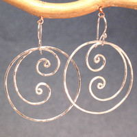 Nouveau 52 Hammered swirly hoop earrings