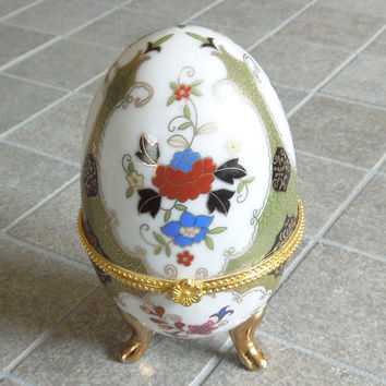 Porcelain egg-shape trinket box - Gold-trim floral trinket box - Footed porcelain egg trinket box - Wedding favors bridal shower favor