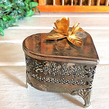Filigree Jewelry Box, Footed Heart Box, Heart Jewelry Box, Metal Jewelry Box, Footed Jewelry Box, Gifts for Her, Ornate Box, Filigree Box