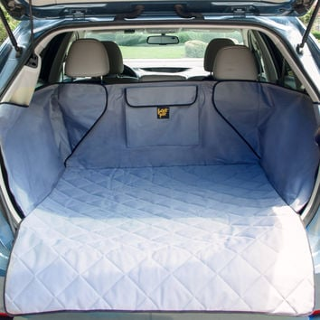 SUV Pet Cargo Liner with Quilted Top And Slip Resistant Bottom