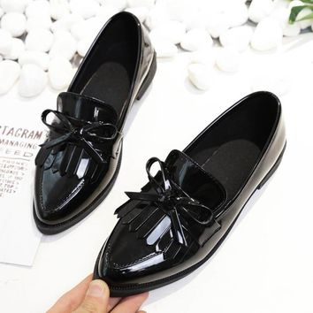 AINER CAT 2018 Brand Shoes Woman Casual Tassel Bow Pointed Toe Black Oxford Shoes for Women Flats Comfortable Slip on Women Shoe