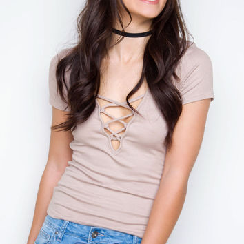 Halo Crisscross Top - Taupe