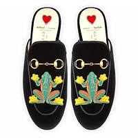GUCCI Trending Women Comfortable Velvet Frog Embroidery Flat Shoes Sandals Slippers I-ALS-XZ