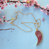 Dragon vein wing agate pendant with gold plated chain, pink pendant necklace, gold jewelry, gold and pink wing necklace, glass pendant
