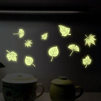 PEAPG2Q Super Deal  Flying Leaves Children Bedroom Fluorescence Cartoon Wall Stickers XT