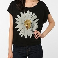 Truly Madly Deeply Sunny Daisy Box Crop Tee