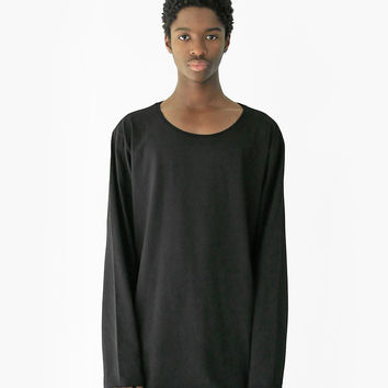 Basic Elongated Long-Sleeve Crewneck Tee in Matte Black