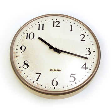 Vintage industrial wall clock. Cream / off white colour. Domed glass. Germany 1965. DE TE WE DeTeWe